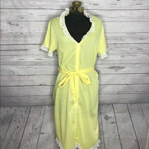 Vintage 70s Yellow Polka Dot Housedress E1-126